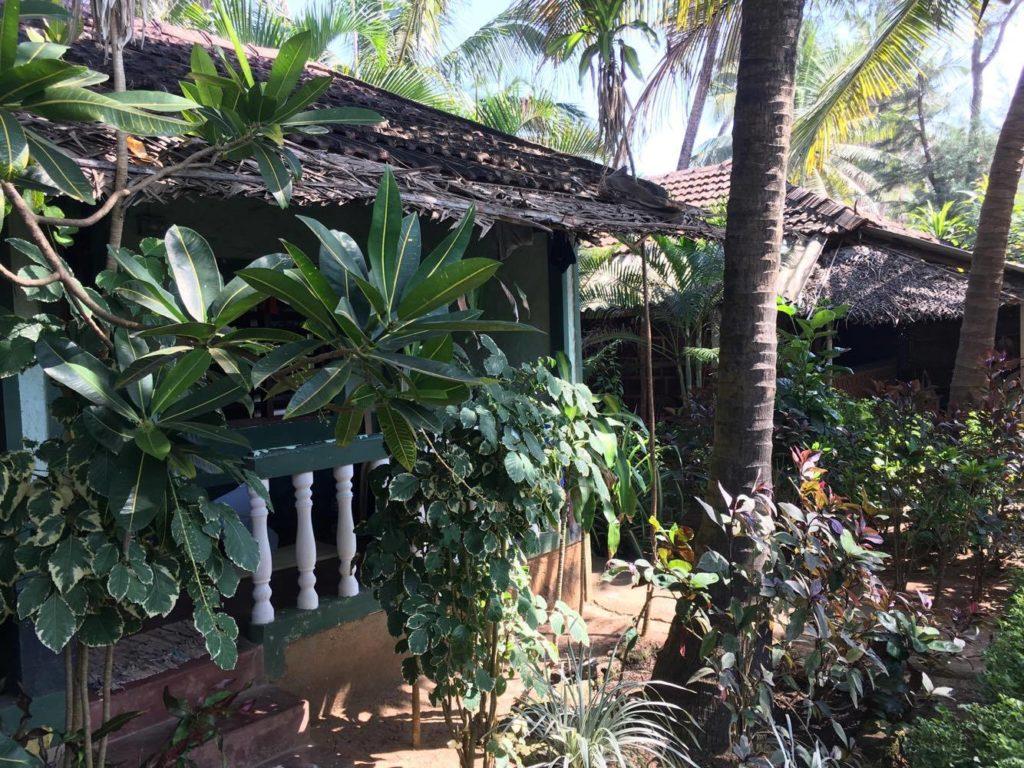 gokarna beach – backpacking in karnataka -