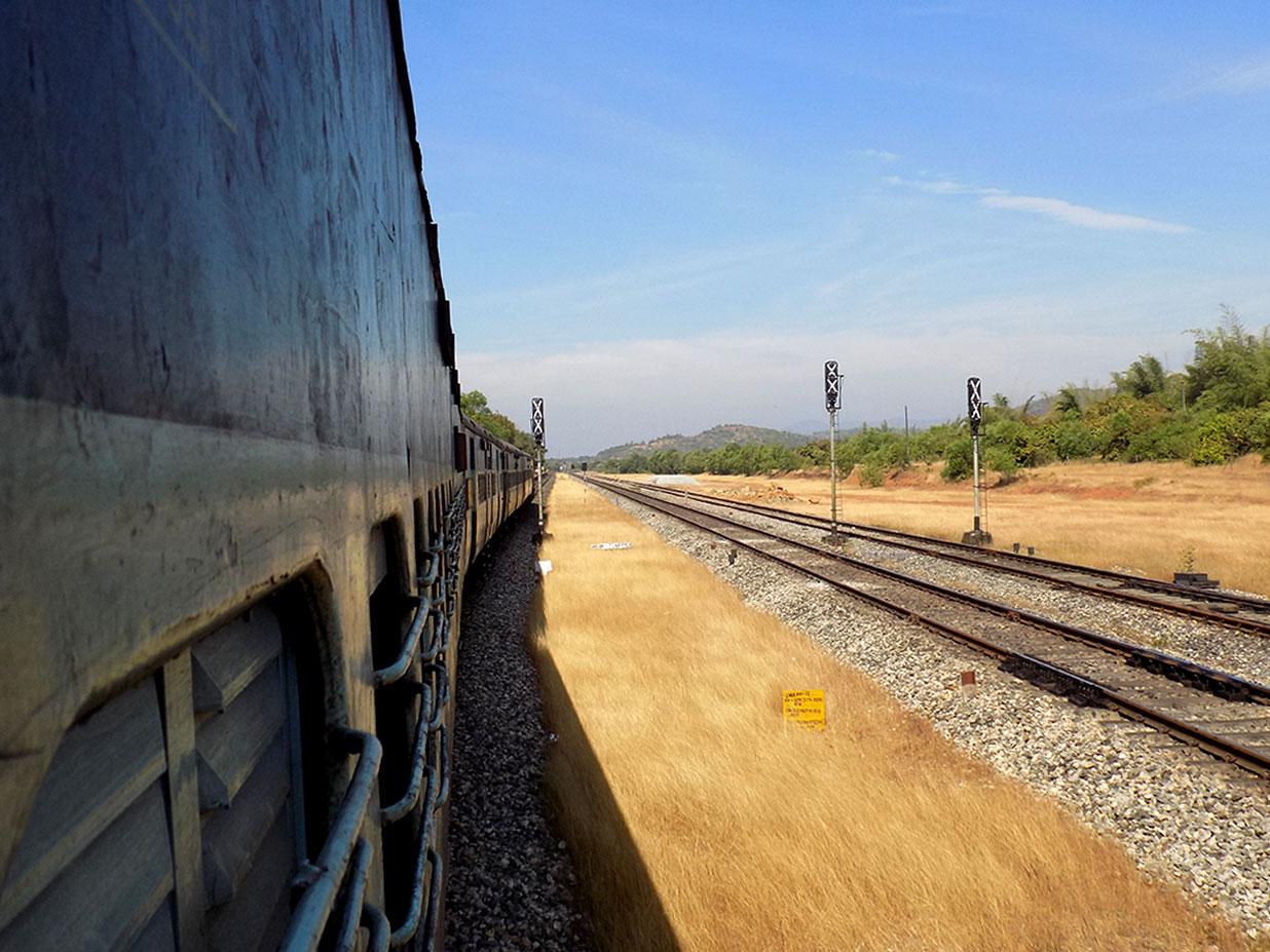 Zug Fahren In Indien Durchblick Im Größten Schienennetz